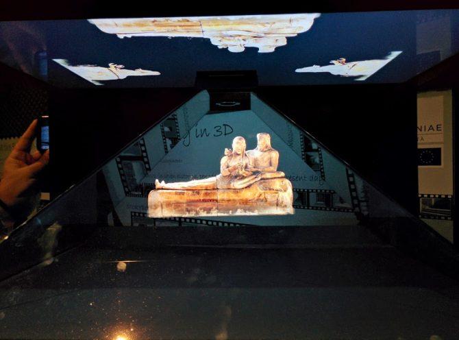 Attenzione, costruzione piramide in corso